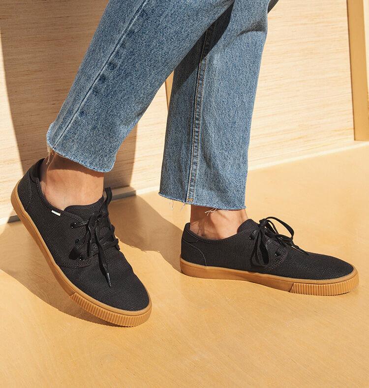 Men's Carlo Sneakers shown.