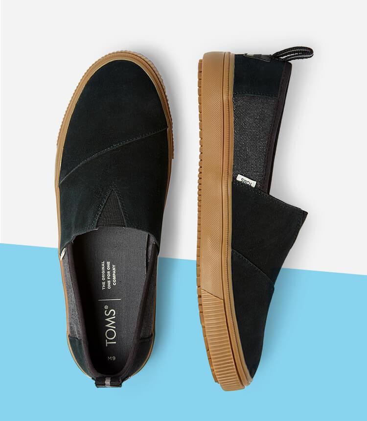Men's Hillside Boot in black shown.
