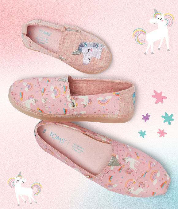 Women's, Youth, and Tiny pink unicorn print exclusive classic alpargatas on a background with unicorn graphics