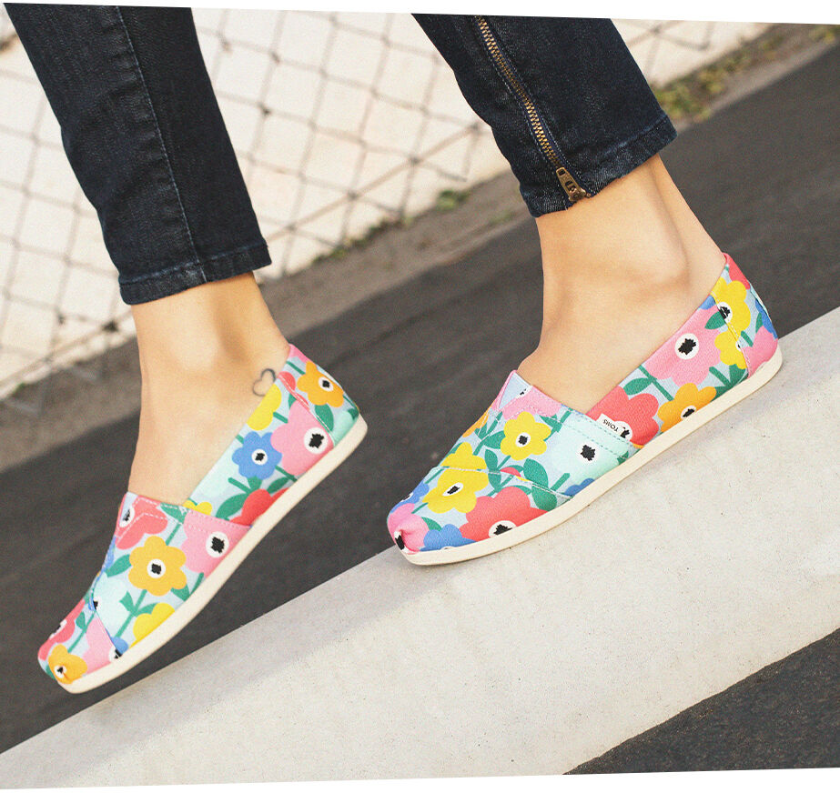 Women's exclusive flower fields Alpargatas.